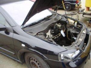 Cabrio Motorraum.jpg